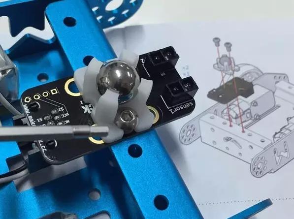 测评报告:3款大热的机器人少儿编程玩具横向测评!-少儿编程教育网