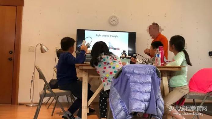 就为了教孩子学习,硅谷博士爸爸竟然这么带孩子…-少儿编程教育网