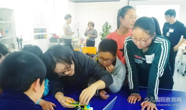 2018国际信息技术女童日,永远不可低估孩子的创造力!-少儿编程教育网